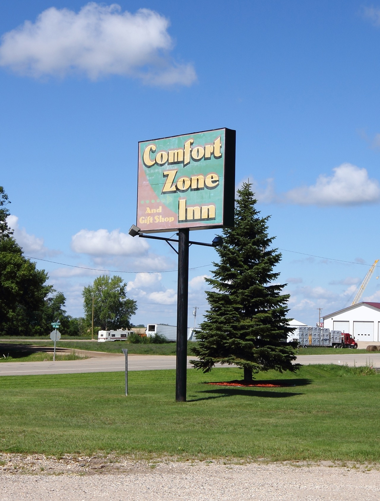 comfort zone inn - front sign